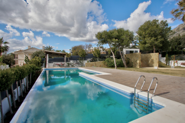 5 Bedroom, 5 Bathroom Villa For Sale in Marbella