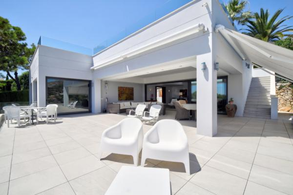 4 Bedroom3, Bathroom Villa For Sale in Las Merinas, Marbella Golden Mile