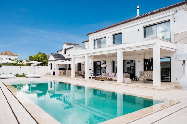 4 Bedroom, 4 Bathroom Villa For Sale in Marbella Golden Mile