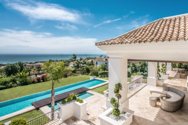 7 Bedroom, 7 Bathroom Villa For Sale in Marbella Golden Mile