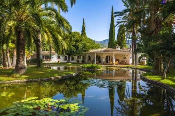4 Bedroom, 4 Bathroom Villa For Sale in Rocio de Nagüeles, Marbella Golden Mile